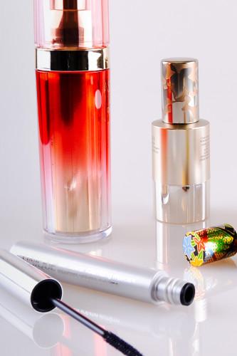 Yoshino Cosmetic Packaging